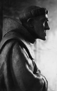 La statua di Padre Lino alla Villetta